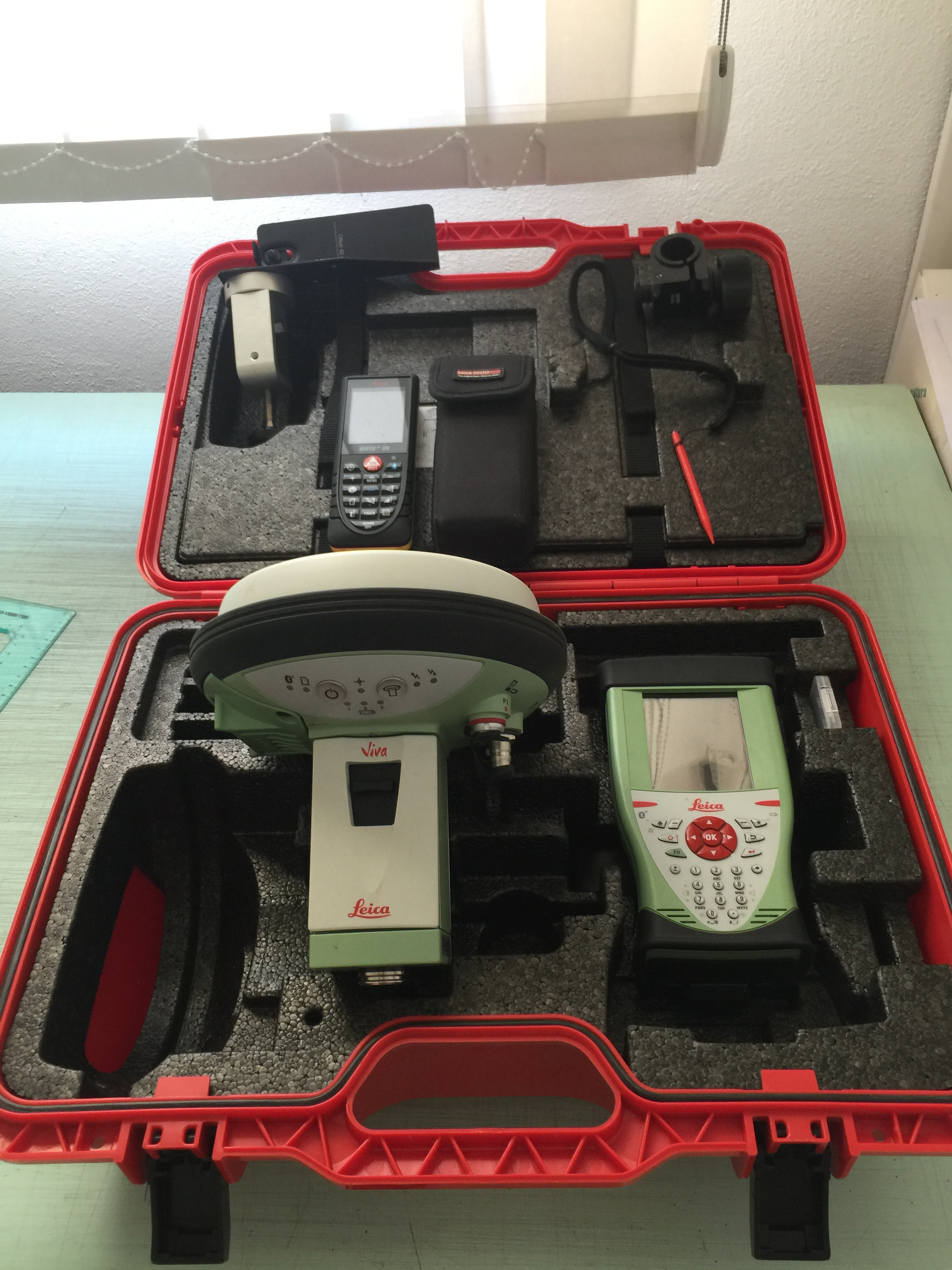 GPS LEICA GEOSYSTEMS GS15-CS10