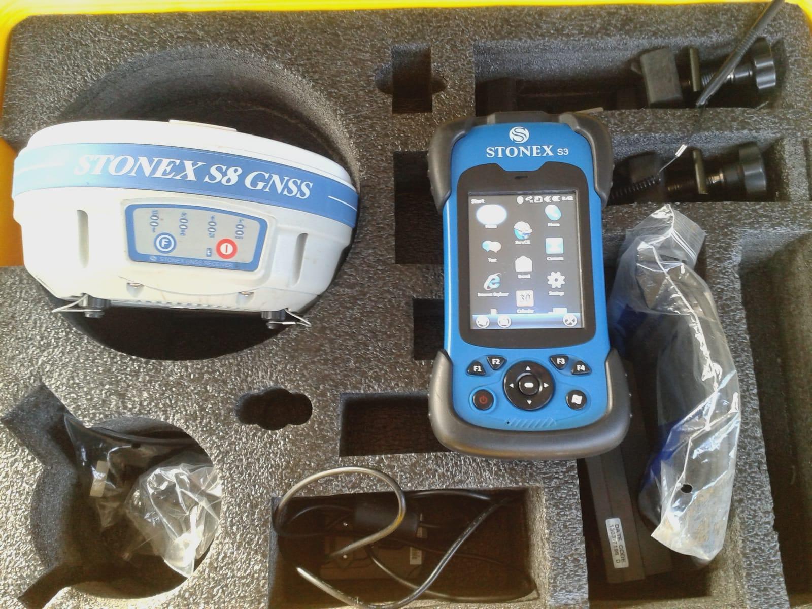 GPS STONEX S8